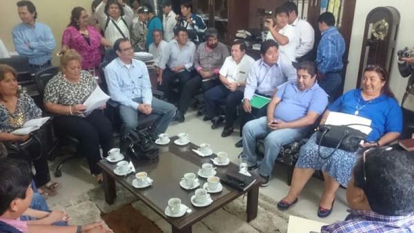 Reunión de autoridades regionales en Yacuiba. (Foto: elchacoinforma.com)