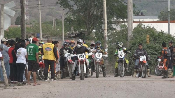 Vuelta al Chaco de motociclismo. (Foto: WhatsApp)