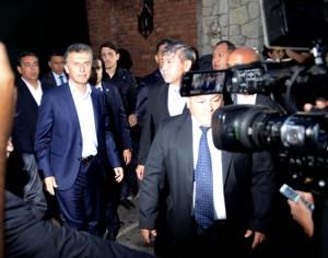 Macri sale de la quinta presidencial de Olivos. (Foto: DyN)