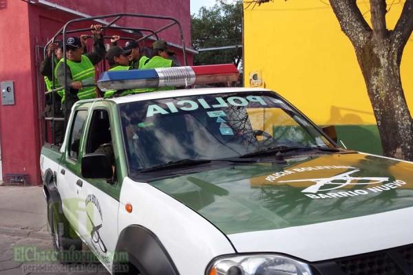 Contingente policial saliendo rumbo al operativo. (Foto elchacoinforma.com)