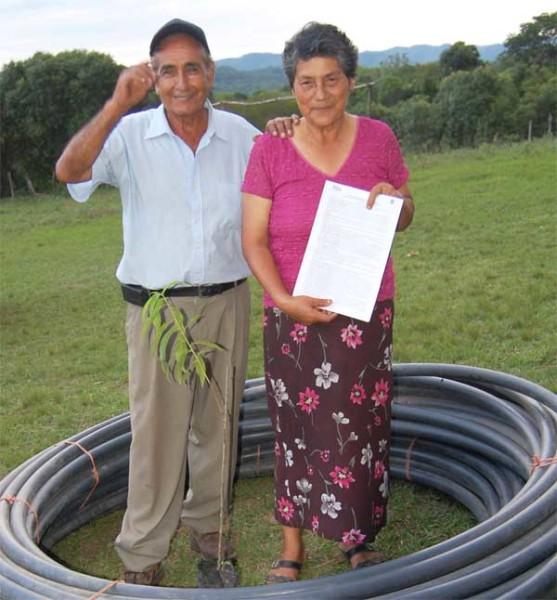 Carlos Betancourt y Porfiria Delgado, vecinos de Capilla Vieja, Monteagudo. (Foto: Katia Garrido de Fundación Natura Bolivia)