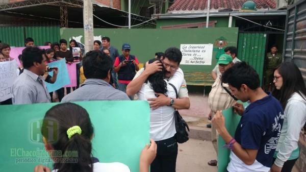 La marcha llegó hasta el puesto policial de Caraparí. (Foto: elchacoinforma.com)