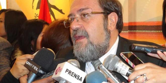 Ministro de Educación Roberto Aguilar. (Foto: minedu.gob.bo)