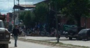 SALVADOR MAZZA: PAGARON PERO LA COMUNA SIGUE TOMADA