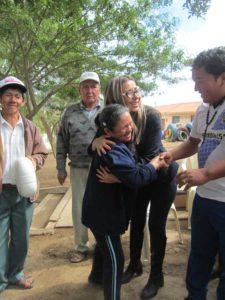 Beneficiarios agradecen por el proyecto. (Foto: naturabolivia.org)