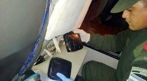 AGUARAY: SECUESTRAN DROGA OCULTA EN UN COLECTIVO DE PASAJEROS DE LARGA DISTANCIA