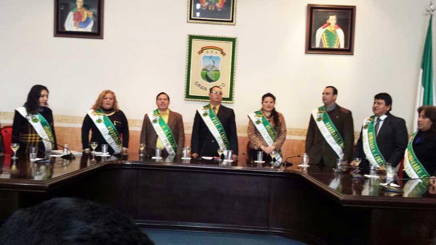Sesión de honor del Concejo Municipal de Yacuiba para posesionar a la nueva directiva. (Foto: elchacoinforma.com)