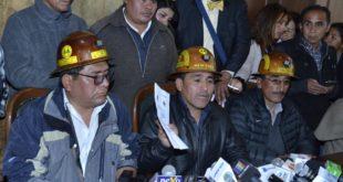 FENCOMIN REPORTA 12 HERIDOS TRAS INTENTO DE DESBLOQUEO EN CARRETERA LA PAZ – ORURO