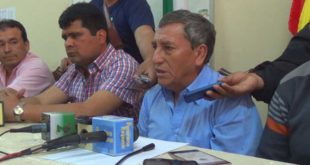 Conferencia de prensa brindada por los asambleístas regionales en Yacuiba. (Foto: elchacoinforma.com)