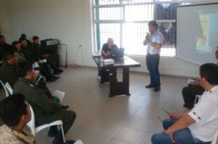 Asamblea Regional socializó el estatuto autonómico regional del Chaco a policías de Caraparí. (Foto: elchacoinforma.com)