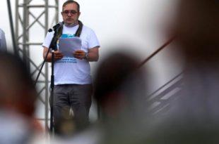 """El máximo líder de las FARC, Rodrigo Londoño, alias """"Timochenko"""", instaló la décima y última conferencia de esa guerrilla.(Foto: Reuters)"""