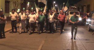 Marcha de teas por la Autonomía Regional. (Foto: elchacoinforma.com)
