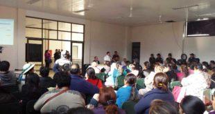 ARCHIVO. Reunión realizada en el mes de agosto con la participación del alcalde y la mayoría de juntas escolares