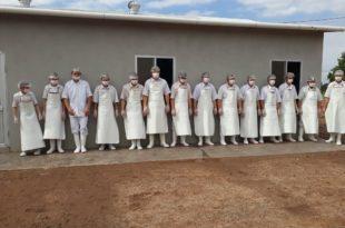 Trabajadores de la quesería Gran Chaco en El Breal. (Foto: Agencias)