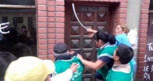 VIOLENTO ENFRENTAMIENTO EN SALVADOR MAZZA DEJA A UNA ADOLESCENTE DE 15 AÑOS INTERNADA