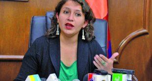 MINISTRA DE SALUD PIDE A LOS TRABAJADORES NO ACATAR PARO DE 48 HORAS DE LA COB