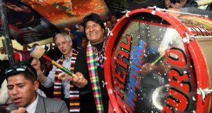 MORALES PARTICIPA DEL CARNAVAL DE ORURO Y DICE QUE ES LA IDENTIDAD Y CULTURA DE BOLIVIA