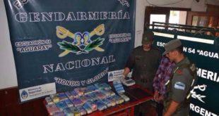 AGUARAY: INCAUTARON DROGA QUE ESTABA OCULTA DENTRO DE LOS TANQUES DE COMBUSTIBLE DE DOS AUTOS
