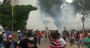 CONTINÚA EL BLOQUEO: ENFRENTAMIENTOS EN CAMIRI DEJAN OCHO PERSONAS HERIDAS