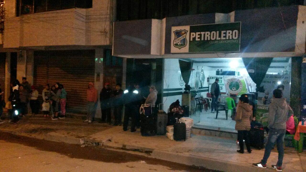 Petrolero viaja sin director t cnico a ecuador el chaco for Viajes ecuador madrid oficinas