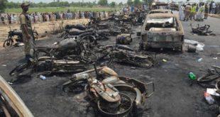 EN PAKISTÁN: AL MENOS 120 MUERTOS POR LA EXPLOSIÓN DE UN CAMIÓN CISTERNA