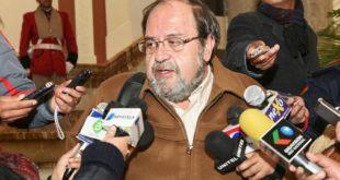 MINISTRO AGUILAR VE COMPLEJO PAGO DE BONO JUANCITO PINTO A ESTUDIANTES DE ACHACACHI