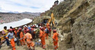 La Paz: Caída de un talud deja un obrero muerto y dos heridos