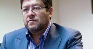 Doria Medina abandona sesión de comisión sin sustentar informe sobre privatización