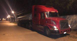 Incautan 272 kilos de droga de un cisterna en Santa Cruz