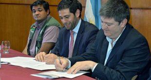 Bolivia, Argentina y Paraguay firman convenio para combatir la langosta