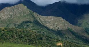 Argentina: Dos muertos al caer una avión en la frontera con Bolivia