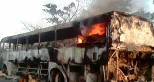 Bus se incendia en la carretera Santa Cruz – Trinidad