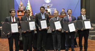 Bolivia suscribe contratos de exploración por $us 1.582 millones con 6 petroleras