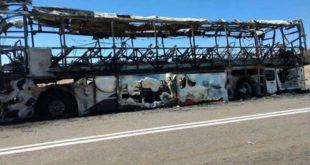 Se incendió un colectivo que llevaba una delegación de jóvenes tucumanos a Perú