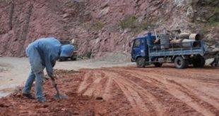 """Tarija: Transportistas cuestionan """"lento avance"""" en el tramo puente Jarkas-Piedra Larga"""