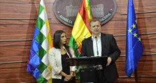 """Montaño y Gonzales afirman que personalidades de oposición no son """"vírgenes políticos"""""""