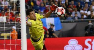 Carlos Lampe, el arquero que más atajó en el torneo chileno