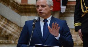 García Linera denuncia manipulación política de dirigentes en paro médico