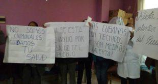 Médicos cumplen amenazas y en El Alto renuncian 58 directores