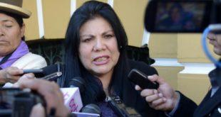 Critican a la diputada Piérola por un polémico tuit sobre la dictadura