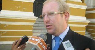 Tarija: Oliva presenta recurso de revocatorio para el trámite del débito automático