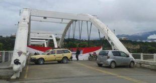 21F: Policía reporta 19 puntos de bloqueo en la ciudad de Tarija